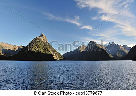 Picture of milford sound, New Zealand.