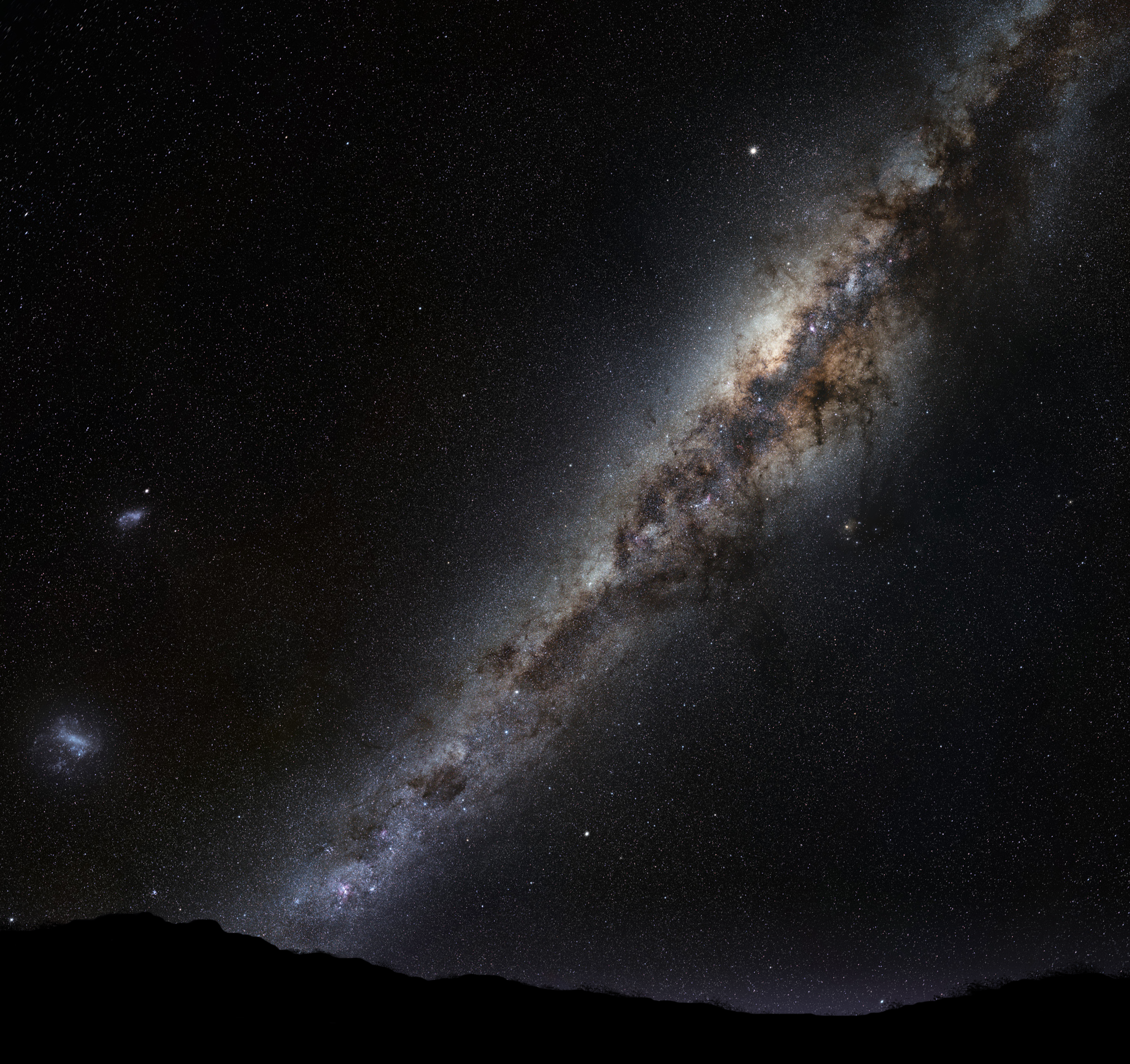File:Milky Way on horizon montage.png.