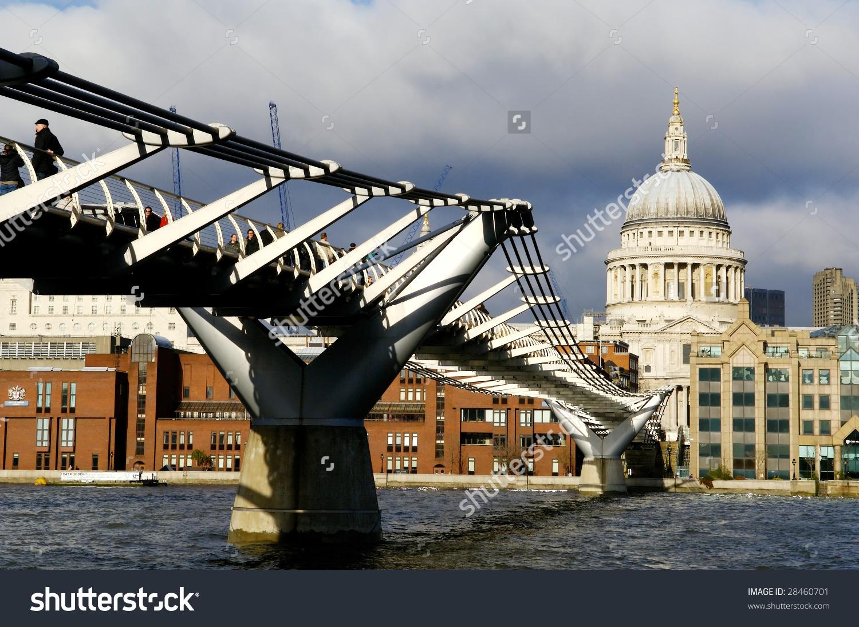 London Millenium Bridge Through River Thames Stock Photo 28460701.
