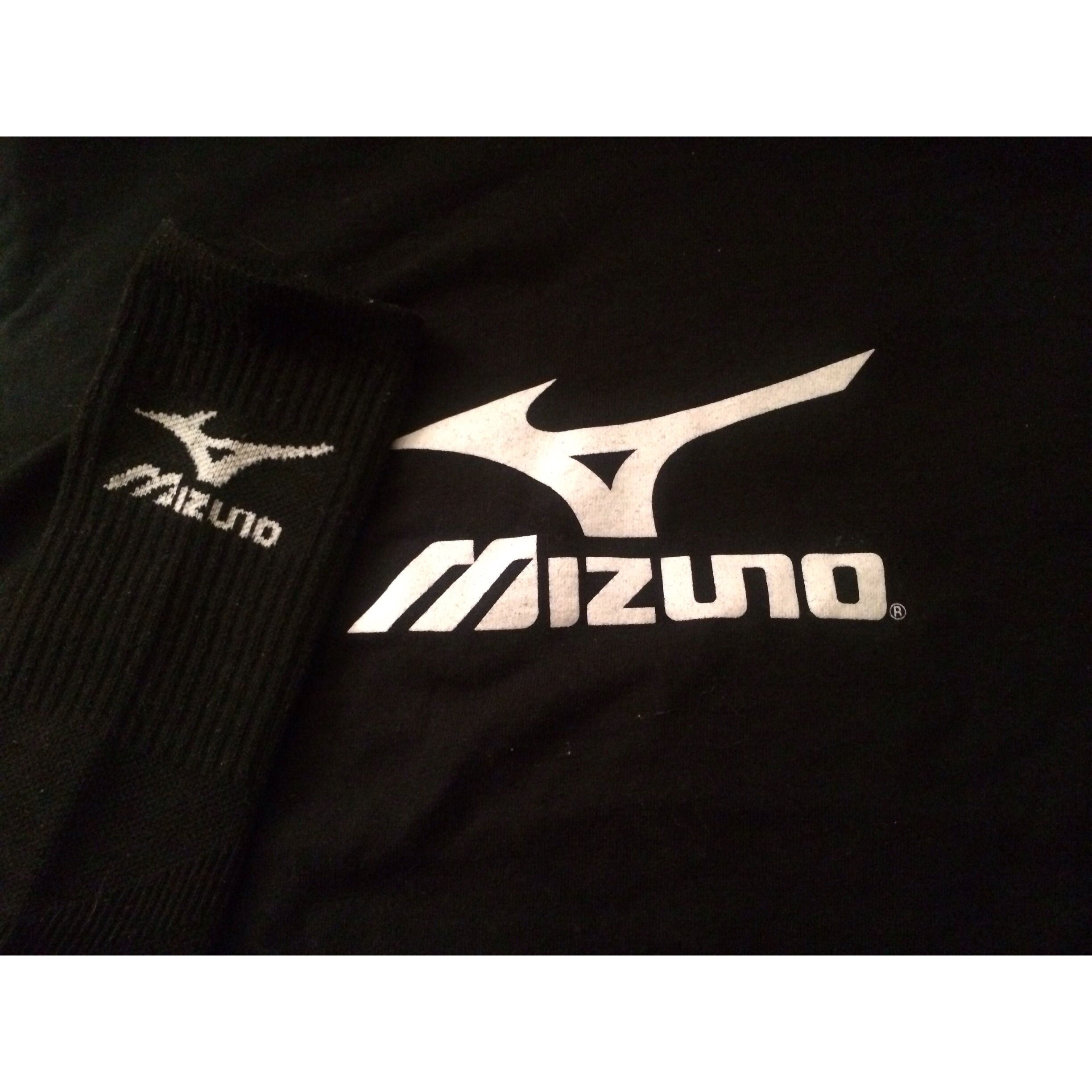 6 Get a picture of the logo: The #Mizuno logo on my socks.