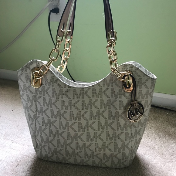 Michael Kors White MK logo chain shoulder bag.