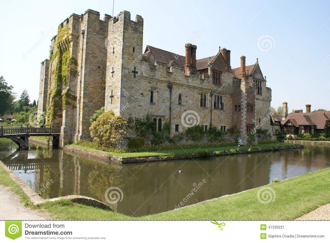 Moated Castle With A Bridge. Hever Castle, England Stock Photo.