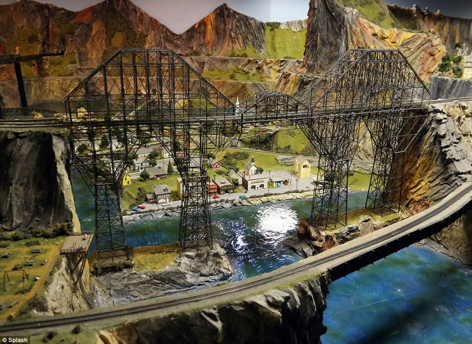 People and Places: MINIATURE TRAINS SETS.
