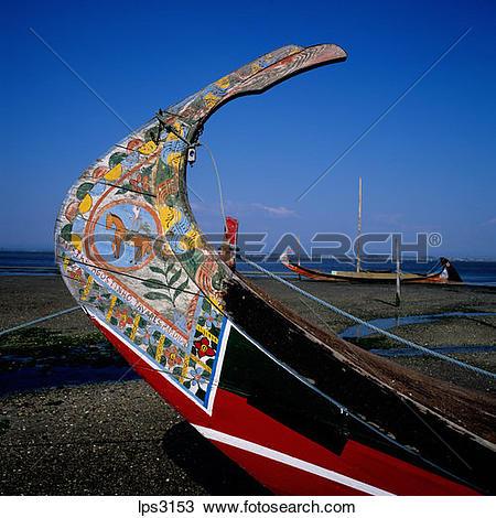 Stock Photo of 04 Portugal Aveiro Lagoon Prow Of A Moliceiro.