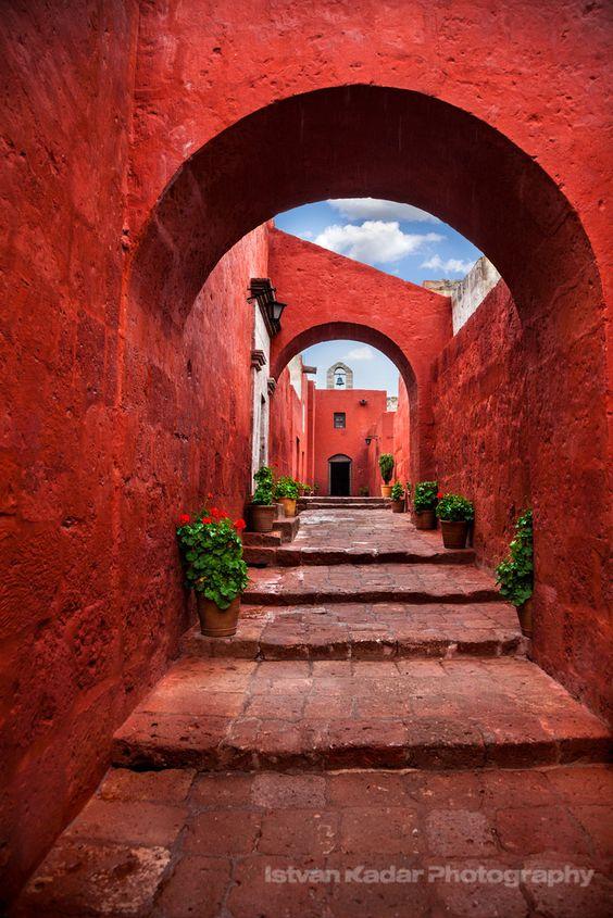 Santa Catalina, Arequipa, Peru (Love this deep, orangey.