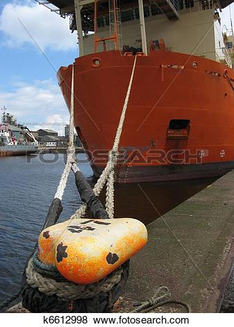 Pictures of Ship's mooring ropes. k6612998.