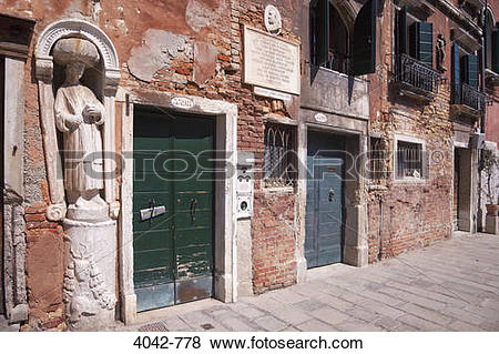 Pictures of Facade of a Moorish house, Tintoretto's House.
