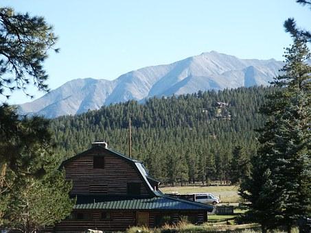 Mountain, Barn.