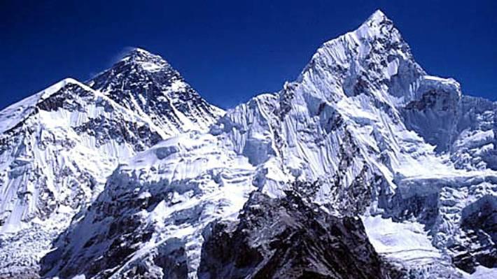 Mount Everest 'a rubbish dump', locals say.