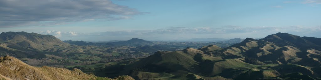 Kahuranaki and Mt Erin from Te Mata Peak (Panorama).