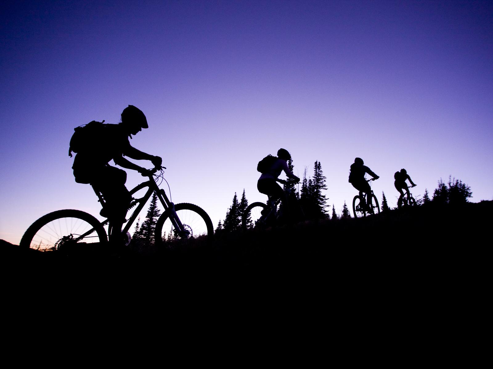 Mountain bike clip art free.