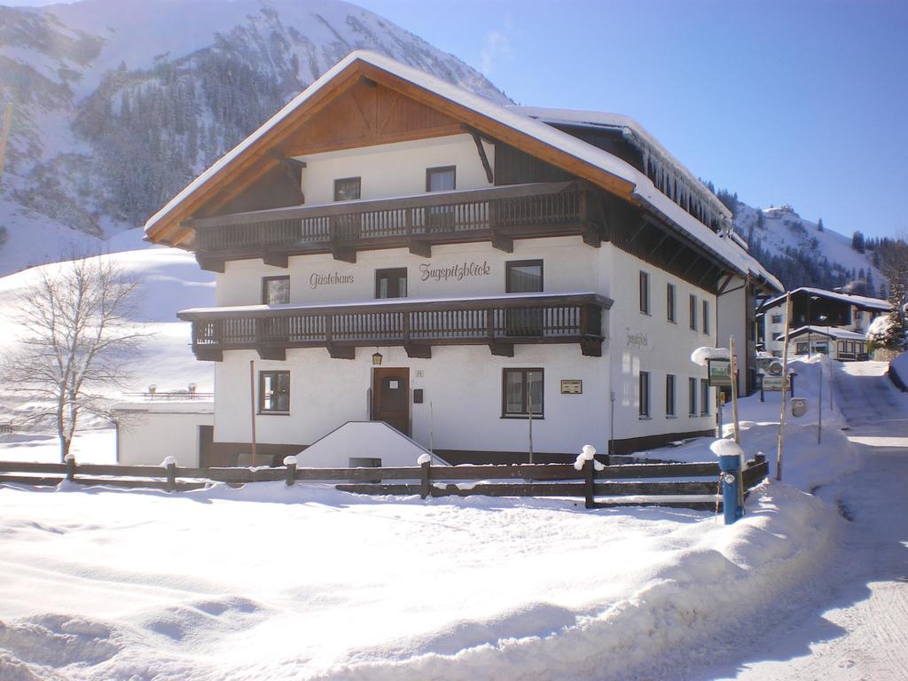 Guesthouse Gästehaus Zugspitzblick, Berwang, including photos.
