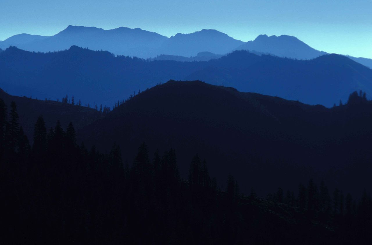 File:View of mountains in silhouette in the marble mountain.