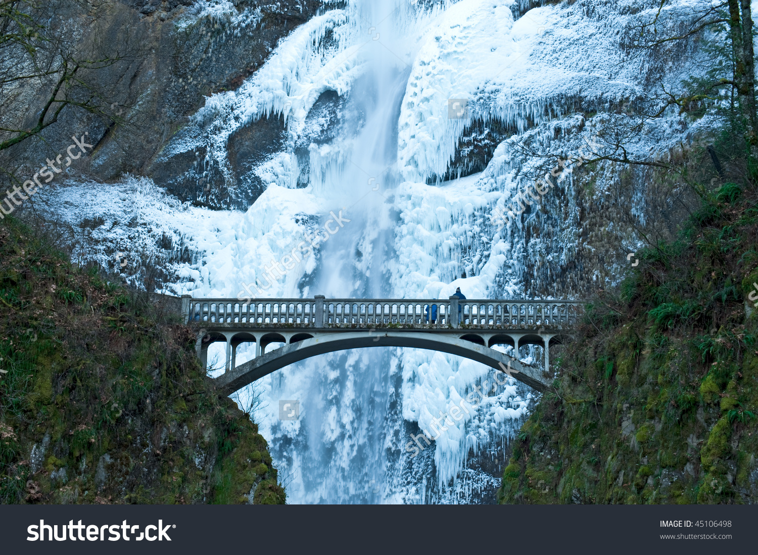 Multnomah Falls Oregon Frozen Winter Stock Photo 45106498.