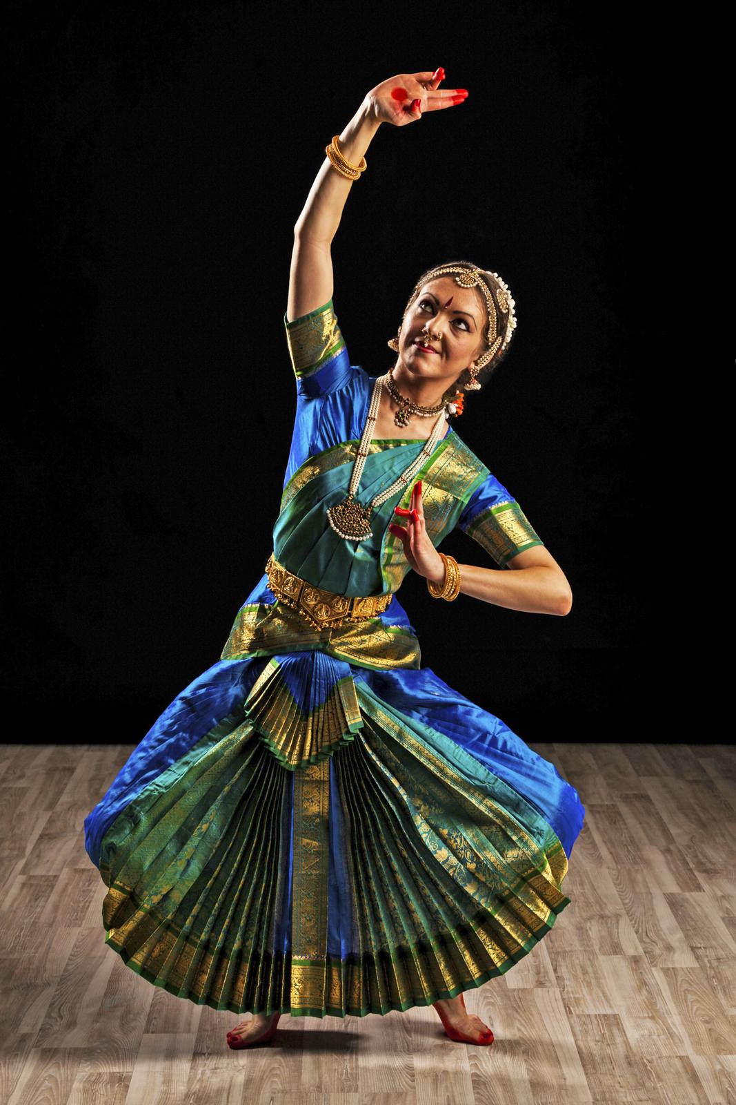 6 Classical Dances of India.
