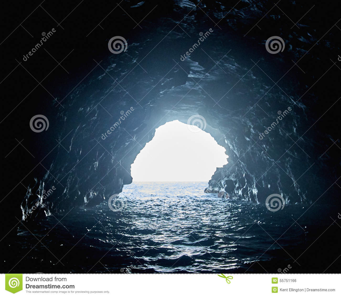 Sea Cave In Na Pali Coast, Kauai Stock Photo.