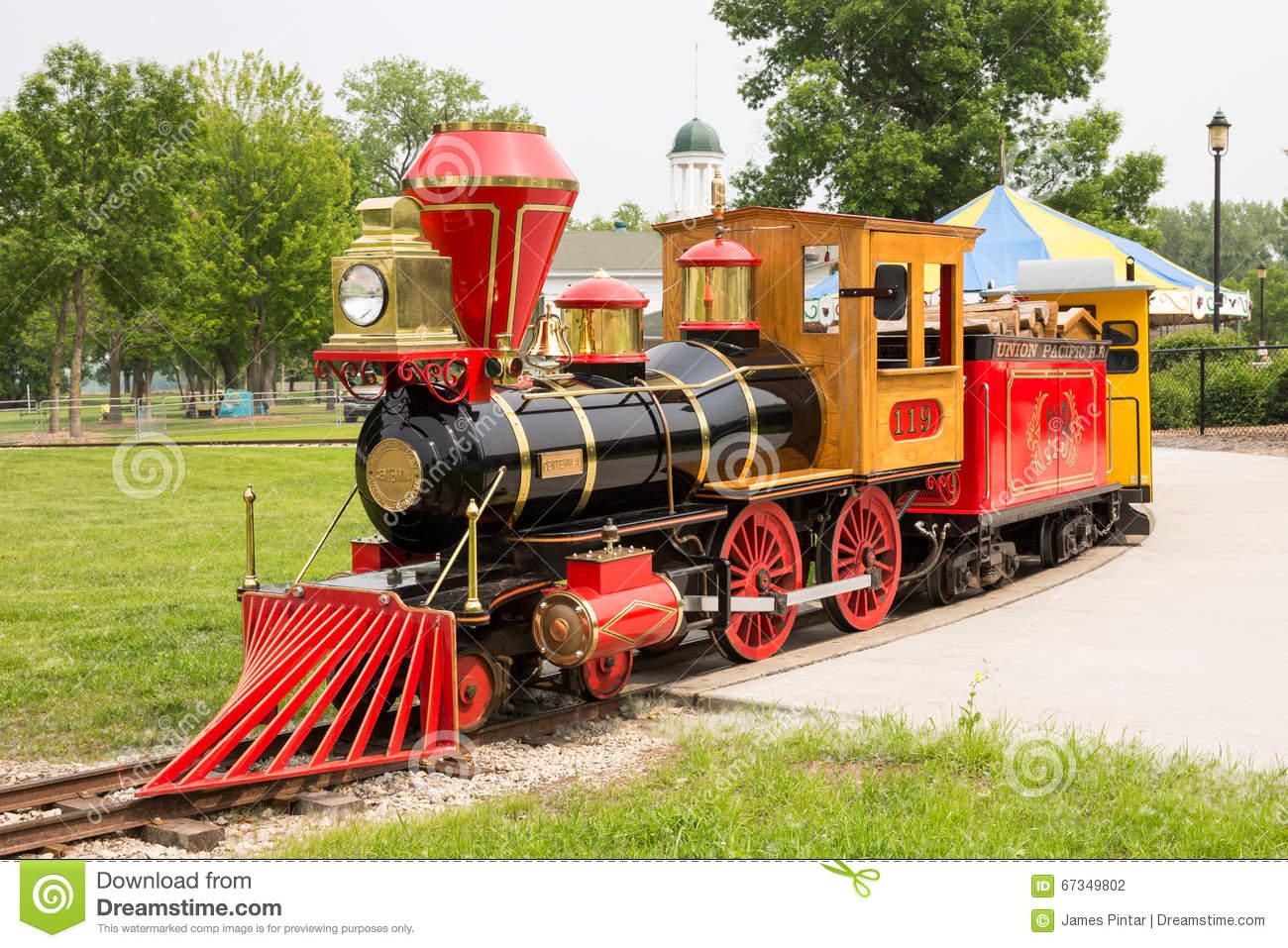 Narrow Gauge Train At Bay Beach Amusement Park Editorial.