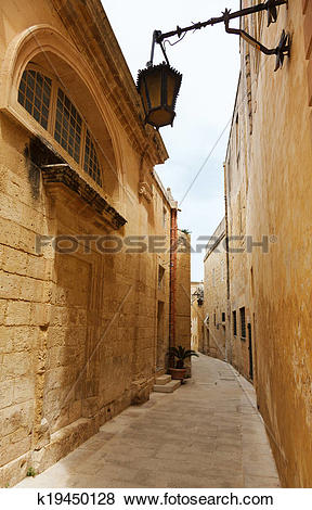 Pictures of Maltese narrow street Mdina, Malta k19450128.
