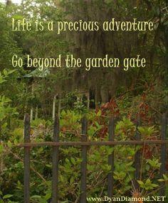 clip art garden gate.