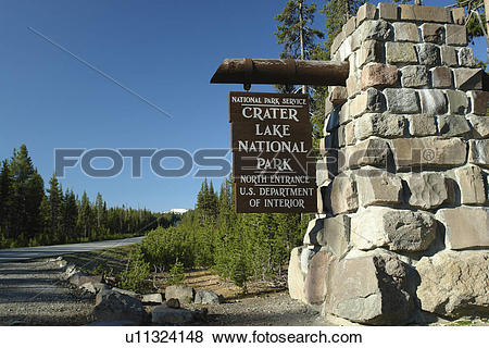 Pictures of Crater Lake National Park, OR, Oregon, wooden entrance.