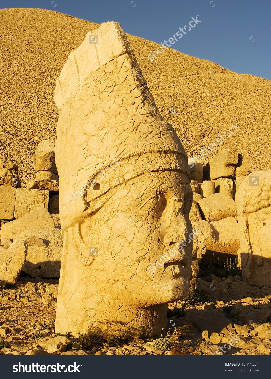 Head Of Antiochus. Mt Nemrut National Park, Turkey Stock Photo.
