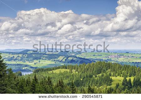Alpspitz Lizenzfreie Bilder und Vektorgrafiken kaufen.