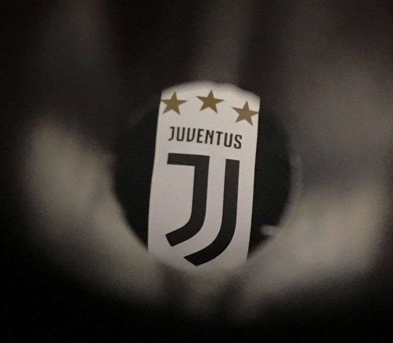 This is Juventus\' New Logo.
