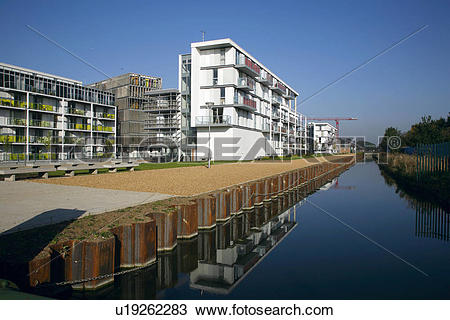 Stock Photo of England, London, Hornsey. Housing at the New River.