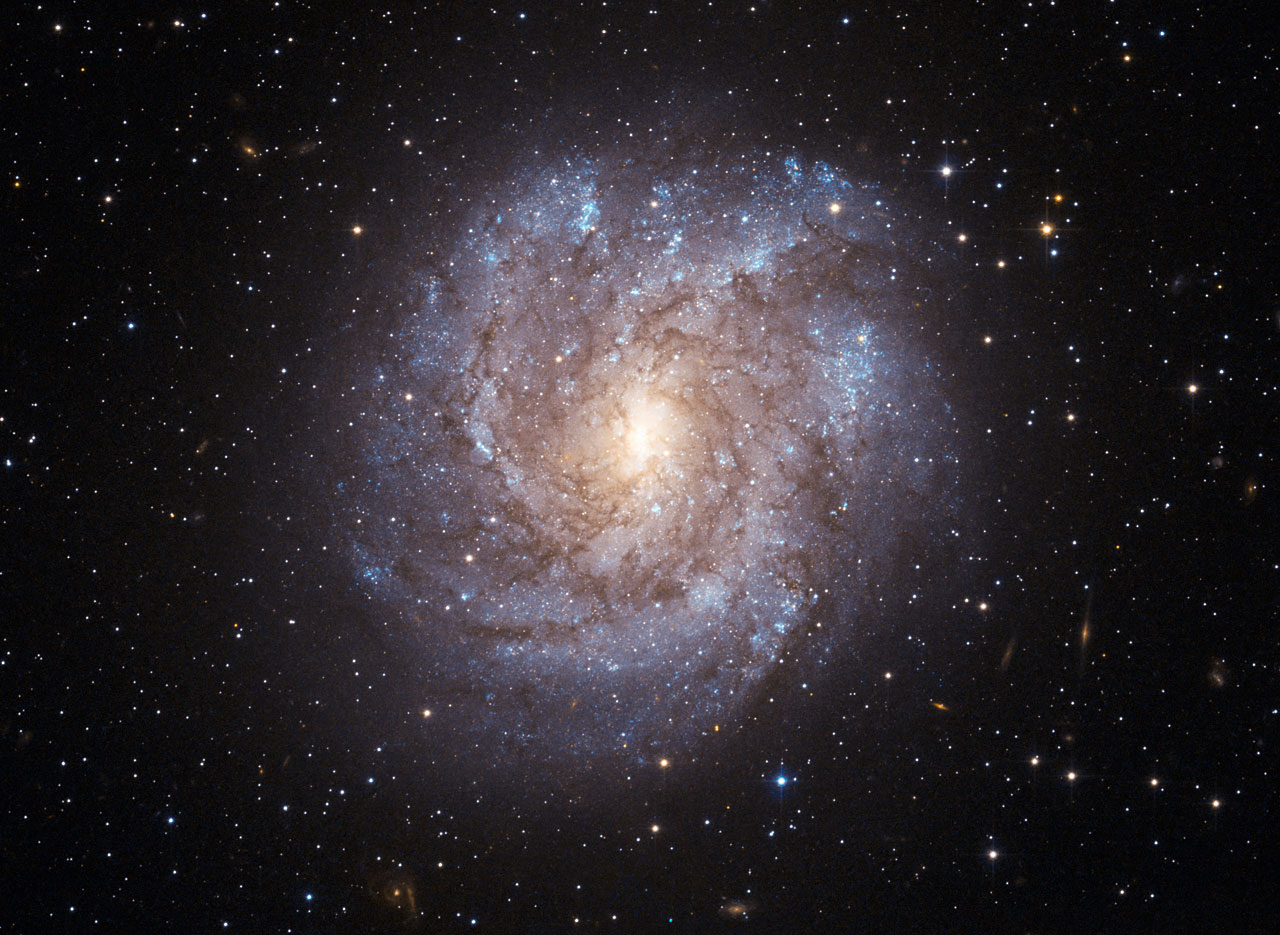 Similiar Which Is More Of The Types Of Galaxies Located Centrally.