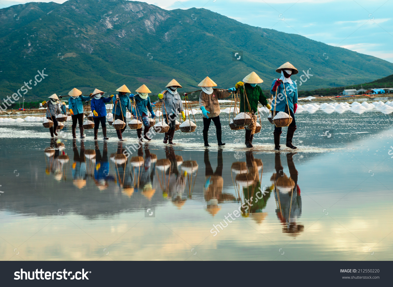 Nhatrang Vietnam Women Carry Salt Salt Stock Photo 212550220.