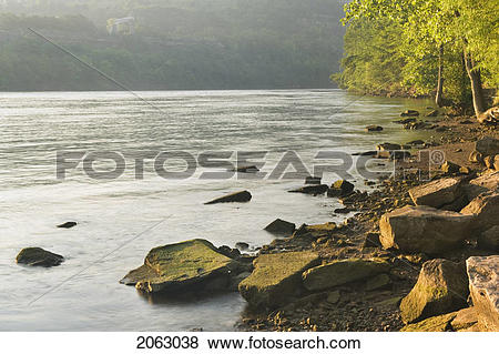 Pictures of Niagara River At Queenston, Ontario Canada 2063038.