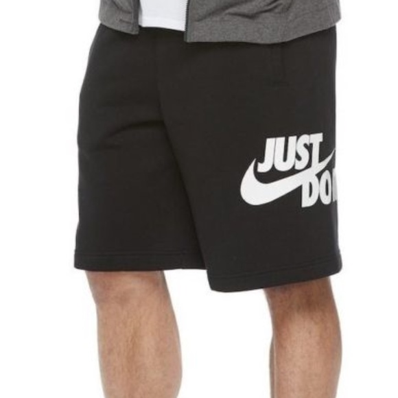 NIKE LOGO FLEECE SHORTS Boutique.