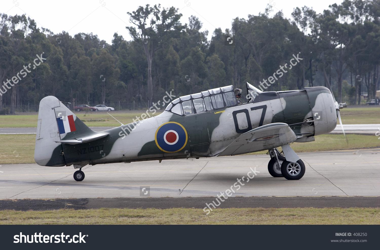 North American Harvard Aircraft Stock Photo 408250 : Shutterstock.
