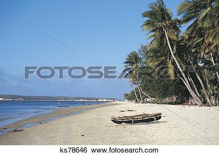 Stock Images of Fishing village, North Coast, Madagascar ks78646.