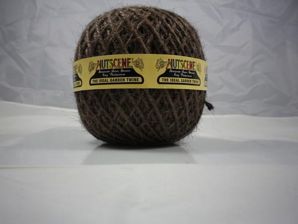 Nutscene Ball of Jute Twine, 110m (360ft).