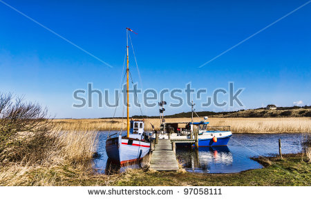 Old Fishing Village Lizenzfreie Bilder und Vektorgrafiken kaufen.