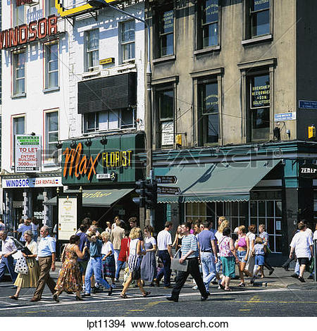 Stock Photo of PEOPLE ON PEDESTRIAN CROSSING O'CONNELL STREET.