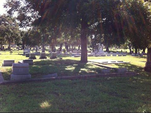 Oakwood Cemetery.