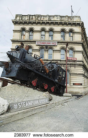 Picture of Train sculpture in front of the Steampunk HQ; Oamaru.