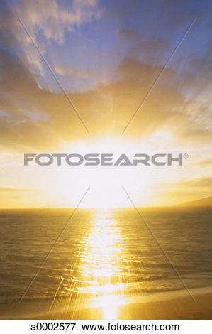Picture of cloud, heaven, inspiration, ocean, sky, sun, sunbeam.