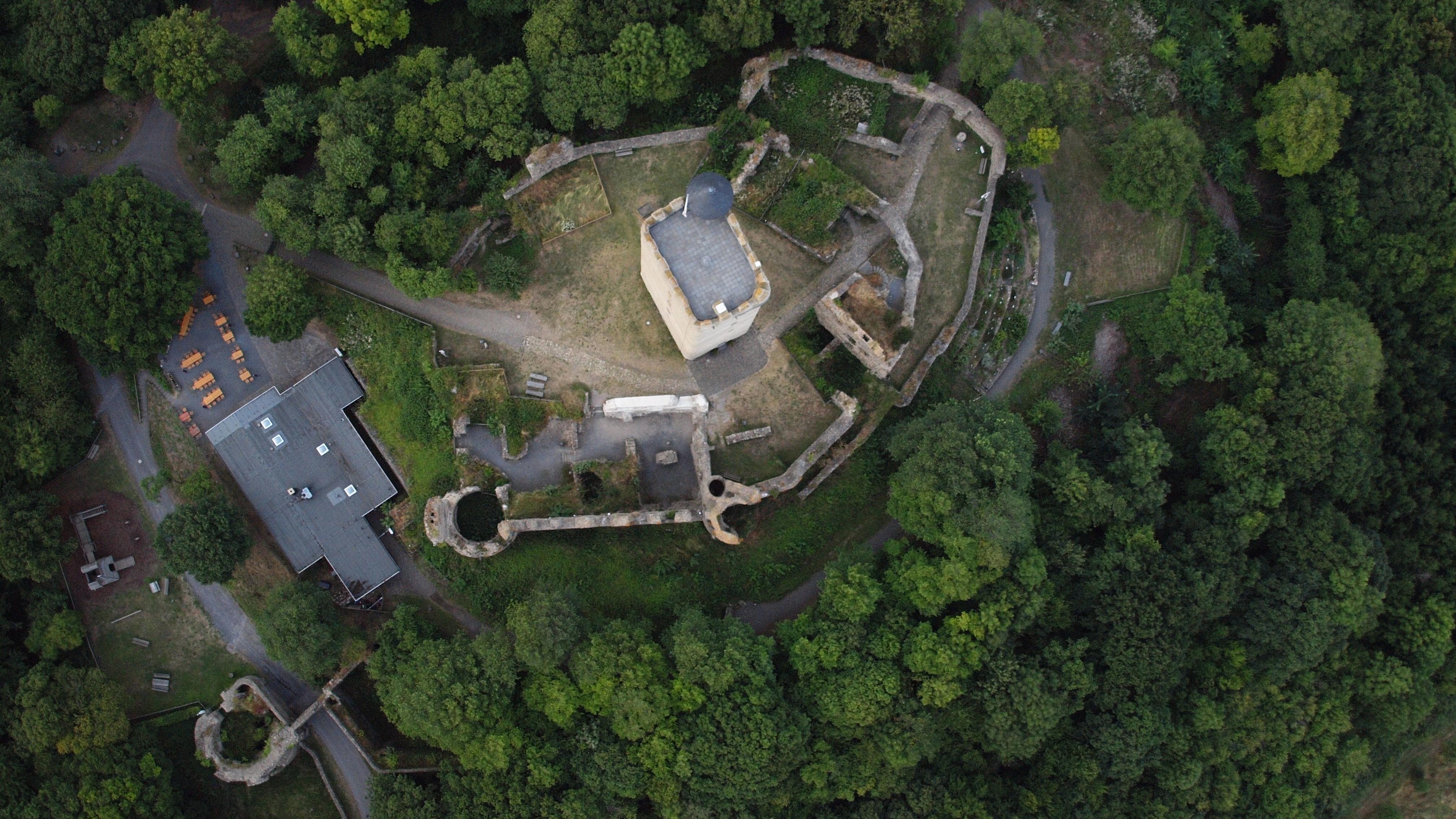 File:Burg Olbrück 021.