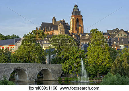 """Pictures of """"Wetzlar Cathedral, Old Lahn Bridge, fountains of the."""