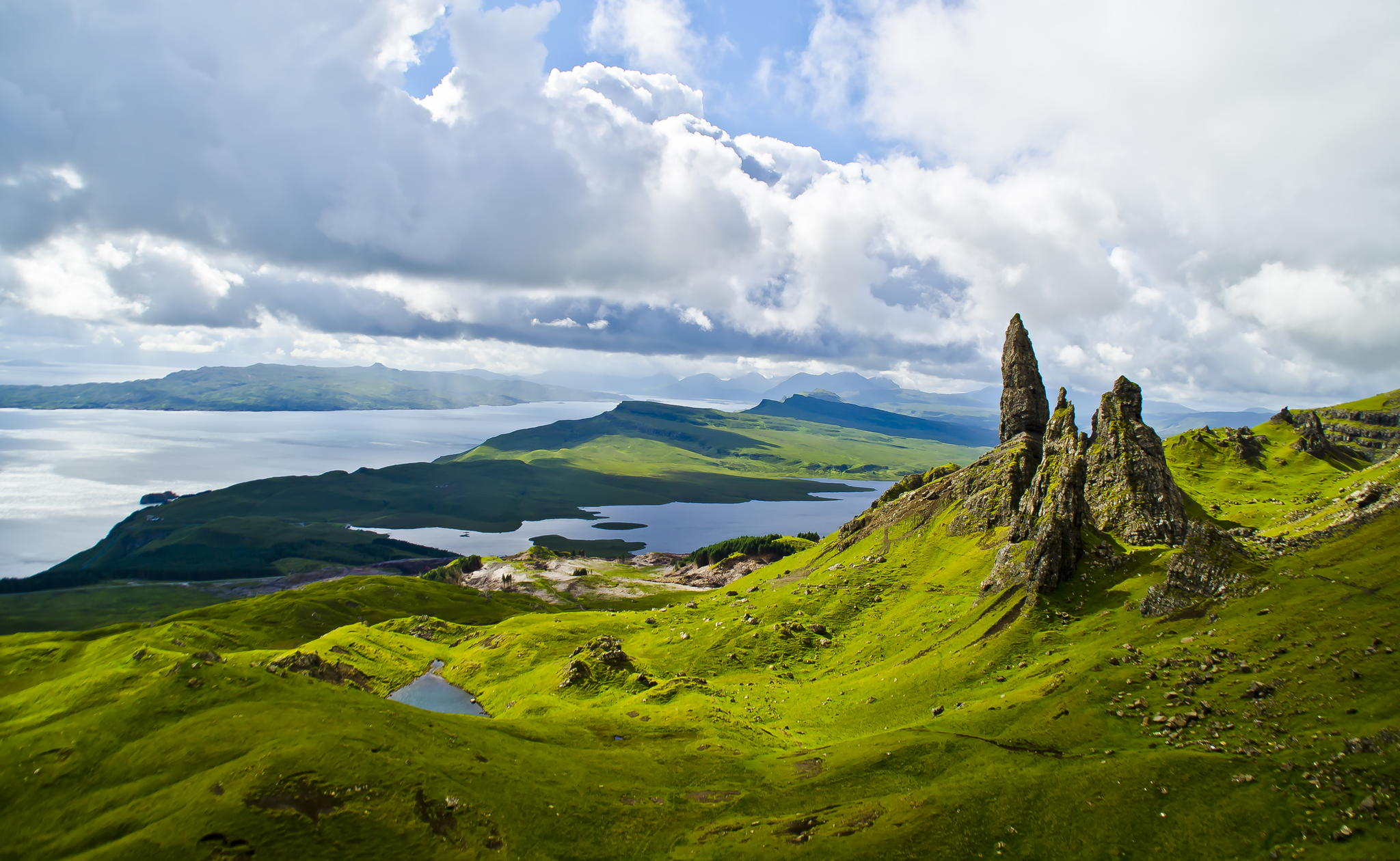 The Old Man Of Storr in the Isle Of Skye, Scotland. Photo by Unai.