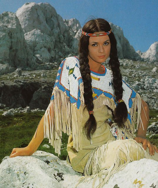 Karin Dor and Pierre Brice as Ribanna and Winnetou in the movie.