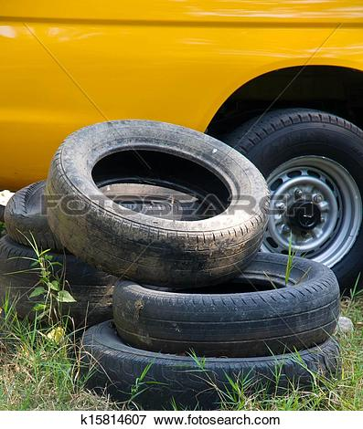 Picture of Old wheels. k15814607.