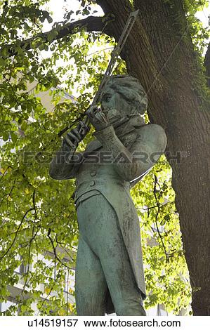 Picture of Statue of violinist Ole Bull, Bergen, Norway u14519157.