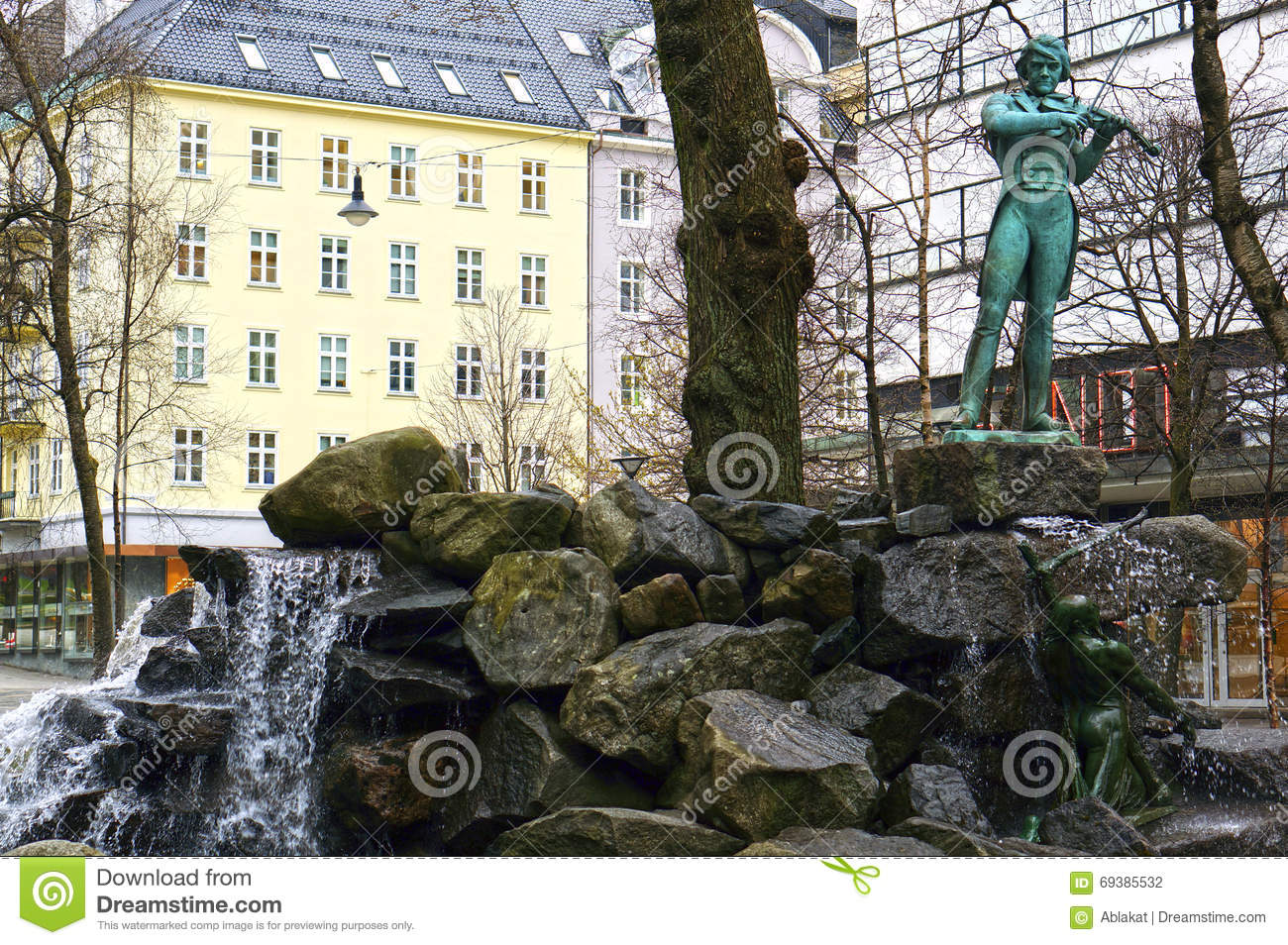 Statue Of Ole Bull In Bergen, Norway Editorial Photography.