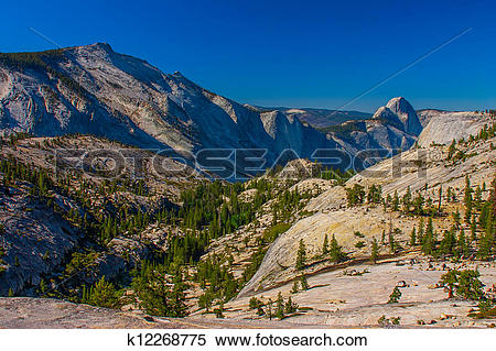 Stock Image of A view to Yosemite Valley from Olmsted point.