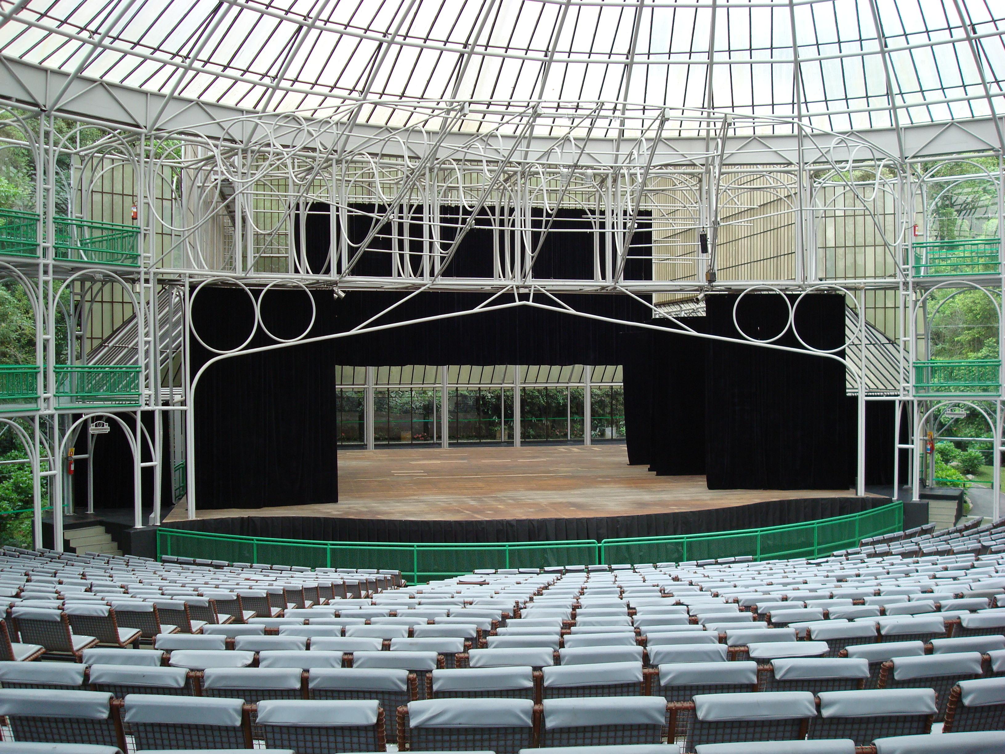 File:Auditório da Ópera de Arame.jpg.