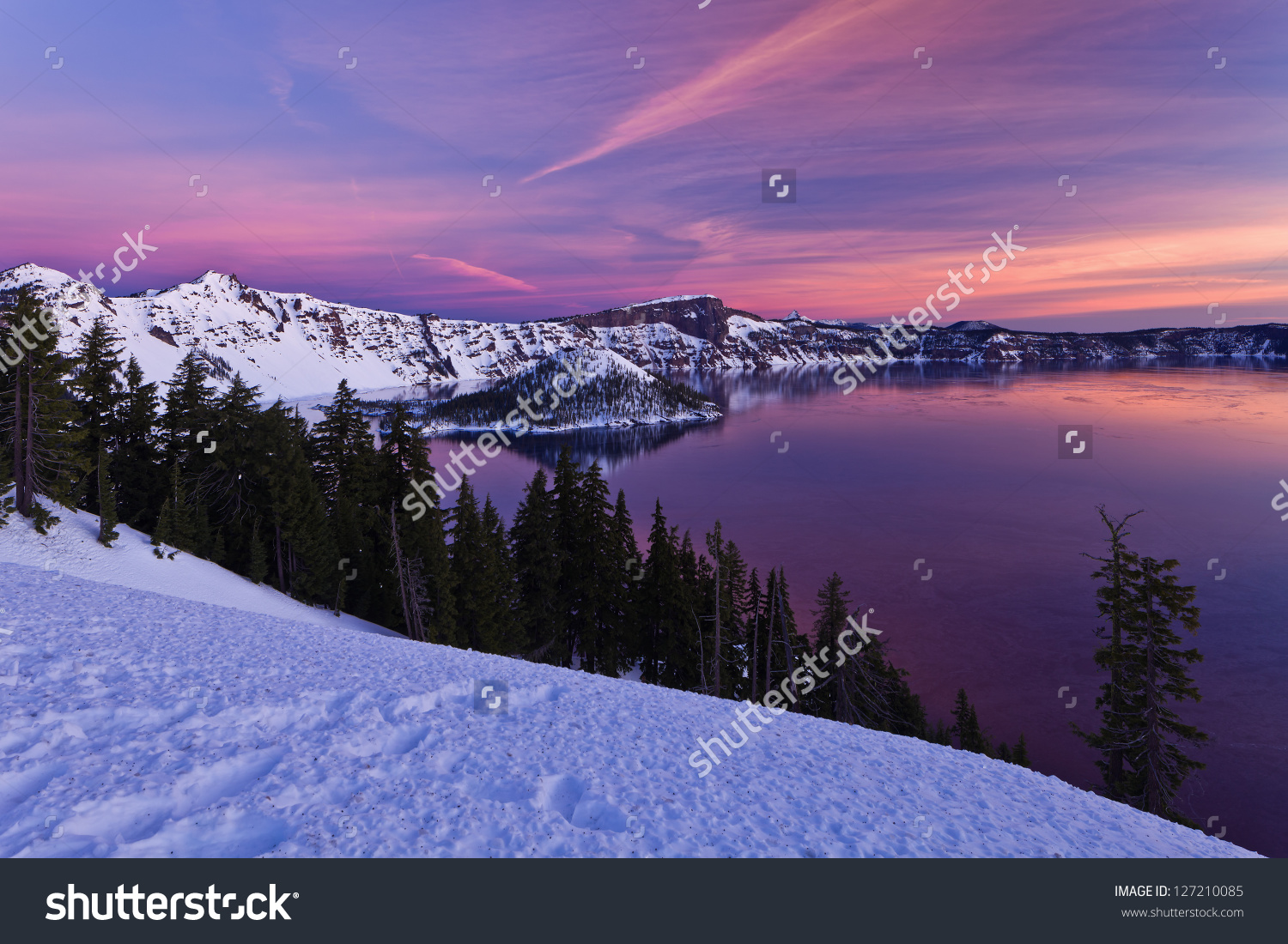 Winter Scene Crater Lake National Park Stock Photo 127210085.